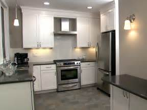 White Kitchen Cabinets With Tile Floor Kitchens With White Cabinets And Tile Floors Kitchen