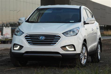 hyundai crossover 2014 2015 hyundai tucson fuel cell hydrogen crossover drive