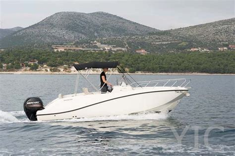 quicksilver small boat small boat charter quicksilver activ 675 open yachts in