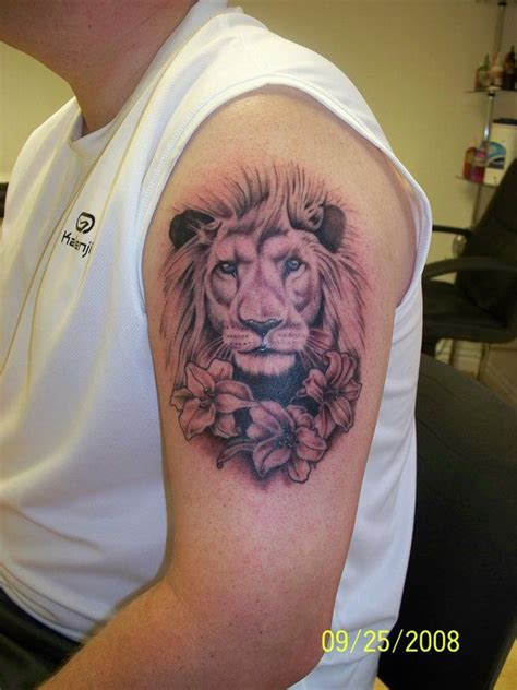 tattoo lion flower 154 best images about tattoos on pinterest lion tattoo