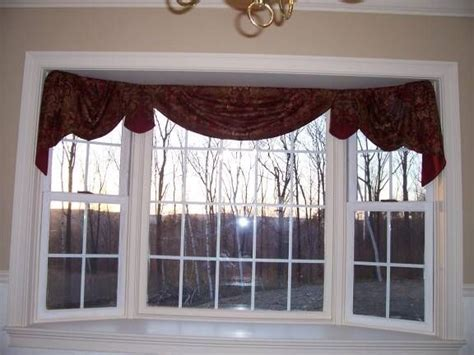 curtains for bay windows in kitchen 25 best ideas about bow windows on pinterest bow window