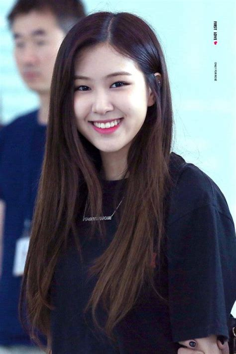 rose blackpink images  pinterest park chaeyoung roses  beleza