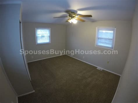 buy house fast we buy houses fast indianapolis bedroom spouses buying houses