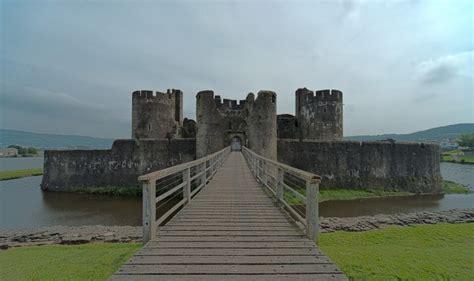 zamek caerphily walia wielka brytania ciekawostki