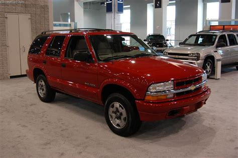 repair voice data communications 2004 chevrolet blazer spare parts catalogs service manual instructions how to remove a 2004 chevrolet blazer transmission sold 2004