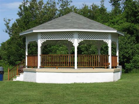 file bailey s hill gazebo in nahant massachusetts jpg
