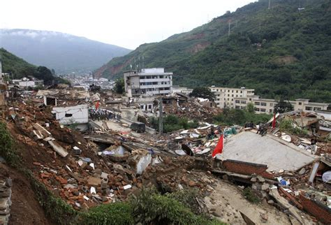 earthquake in china 10 devastating photos of destruction caused by the