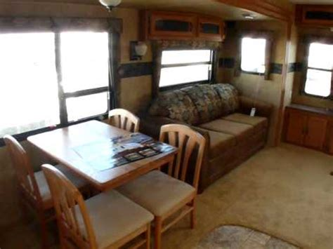 Trailer For Room 2010 Keystone Hornet 32rlss Travel Trailer Living
