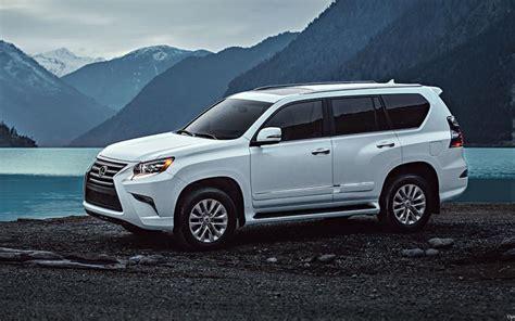 comparison lexus gx  luxury   buick enclave avenir  suv drive