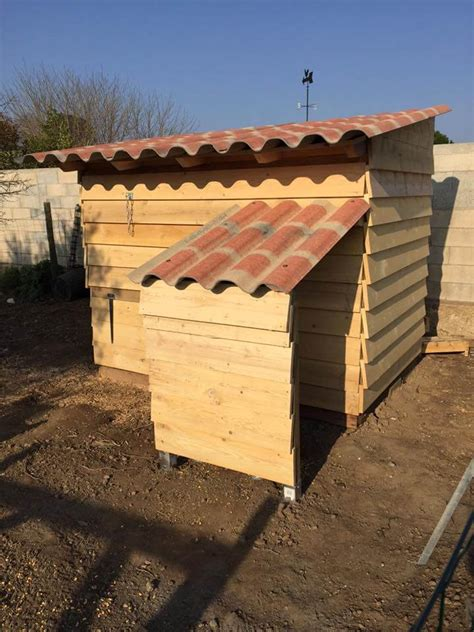 Handcrafted Chicken Coops - pallet chicken coop easy to do with pallets 99 pallets