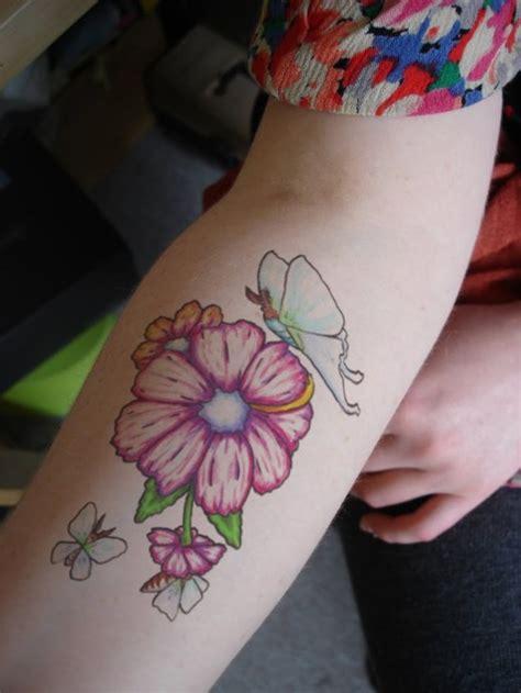 beautiful flower tattoo designs for girls and women