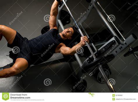 bodybuilder bench press bodybuilder training stock photo image 32780660