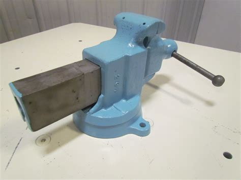 bench vice jaws yost 204 4 quot jaw machinist bench vise swivel base opens to