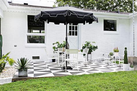 para patio renovar los pisos de un patio con pintura estilos deco