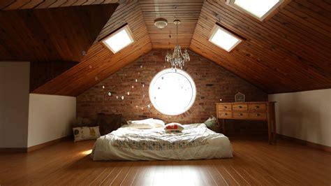 Using Click Lock Wood Flooring on the Ceiling   Unique