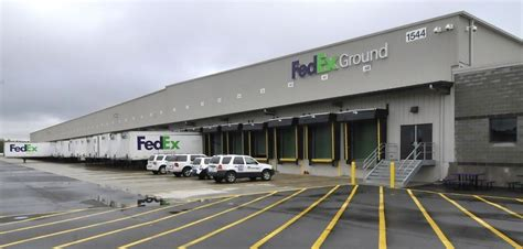 Glass Door Fedex Fed Ex Fedex Ground Office Photo Glassdoor Co Uk