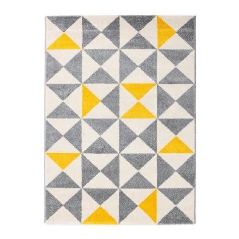 tapis de salon jaune