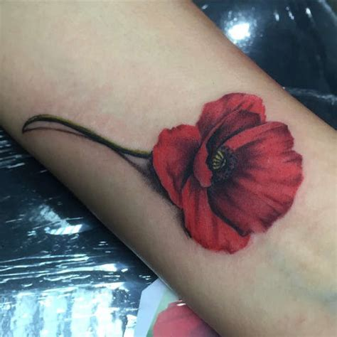 remembrance poppy tattoo designs 34 endearing poppy tattoos designs