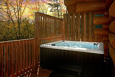 Gatlinburg Cabins With Tub by 4 Bedroom Cabin In Gatlinburg With Smoky Mountain Views