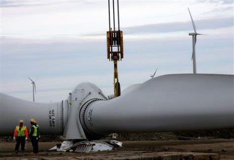 high hopes b c s biggest wind power project a logistical giant n d wind farm nearly complete north dakota news