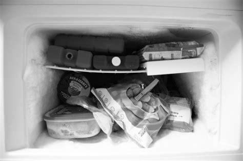 Gefrierschrank Ohne Abtauen by Dank Frischhaltefolie Keine Eisschichten Im Gefrierschrank