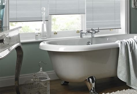 Best Blind For Bathroom by 5 Top Tips For Choosing Bathroom Blinds