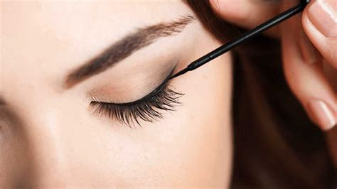 apply hairstyles to photo eyeliner styles how to apply eyeliner for beginners