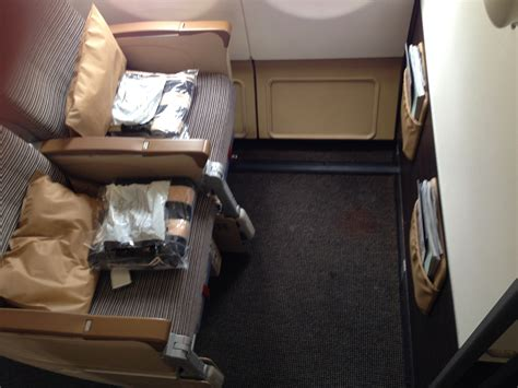 reviews on seats etihad airways economy class www imgkid the image