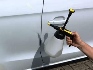 Auto Aufkleber Richtig Anbringen by Montage Autoaufkleber