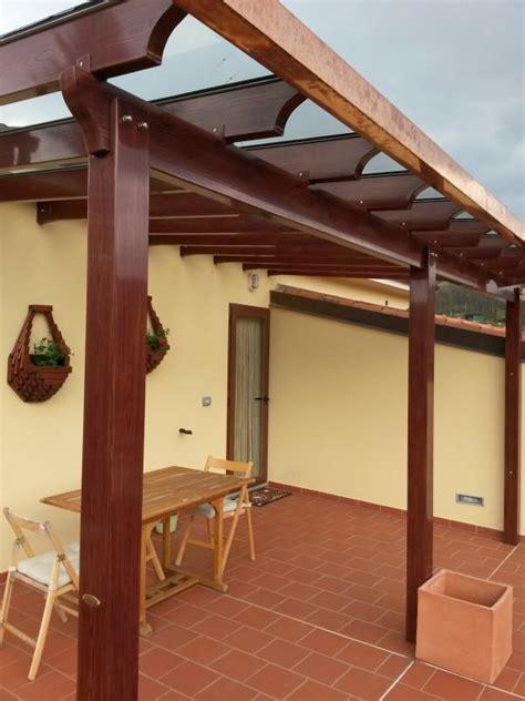 tettoia in vetro tettoia simil legno con copertura in vetro