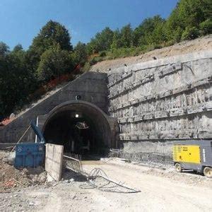 tunnel di tenda schiaffo della francia all italia sul nuovo tunnel