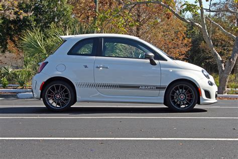 2014 fiat 500 abarth review 2014 fiat 500 abarth driven review top speed