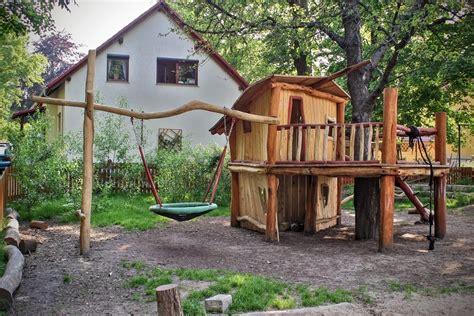 Spielplatz Für Den Garten by Baumhaus Kinder Einrichten