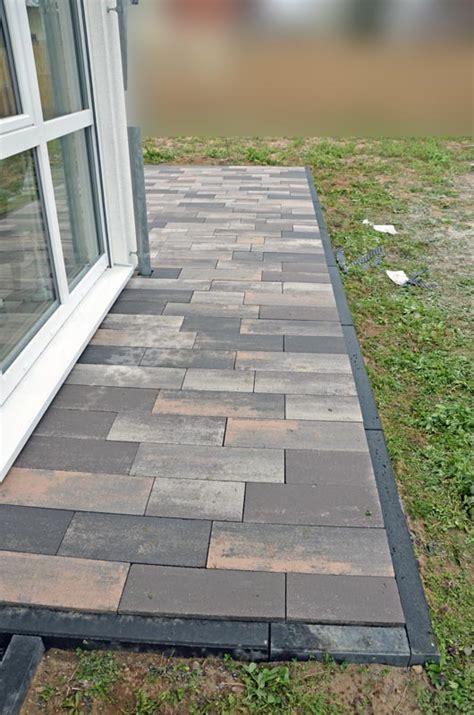 terrasse ohne randsteine pflastern lieferung rinn pflastersteine padio heim am