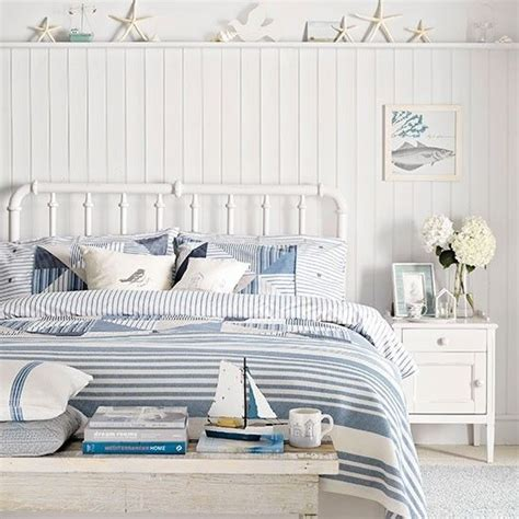beach bedroom bedding best 25 coastal bedrooms ideas on pinterest beach style