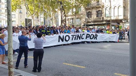 cabecera manifestacion barcelona las 75 personas que encabezan la manifestaci 243 n en barcelona