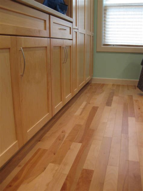 Linoleum Plank Flooring Benefit Of Vinyl Flooring That Looks Like Wood Planks Home Wood Look Vinyl Flooring In