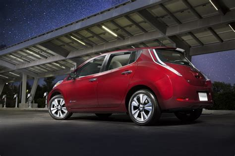 nissan car 2016 2016 nissan leaf electric car now rated at 107 miles on a