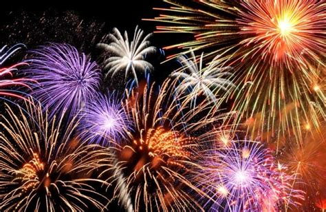 fuochi d artificio pavia botti di capodanno 20 feriti in lombardia 12 a