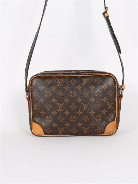 louis vuitton nil monogram canvas camera bag luxury bags