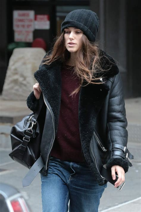 Vogue Uk Celebrates Keira Knightleys Coming Of Age In October 07 Issue by Keira Knightley Out And About In New York 12 26 2015