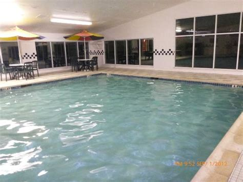 country inn and suites lancaster pool picture of country inn suites by carlson