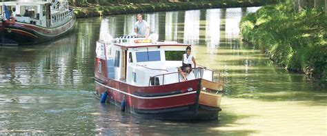thames river france river and canal boat hire in france and europe river and