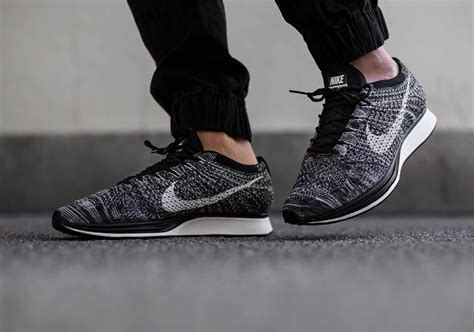 Sepatu Nike Fleknit Racer Cowok how to tell if your nike flyknit racers are real or