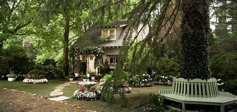 nick carraway s cottage in great gatsby diana elizabeth