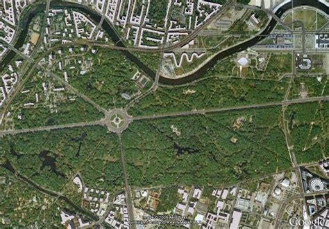 Tier Garten by Tiergarten Berlin Large Park In City Center Berlin Parks Park In And