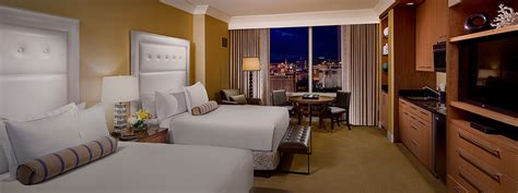 las vegas hotels 2 bedroom suites trump international hotel las vegas 2 bedroom suite