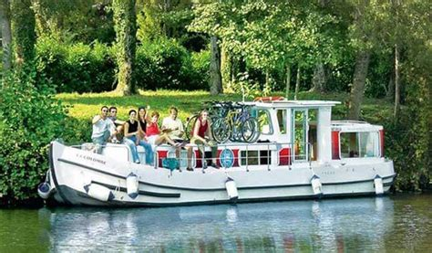 house boat holidays france boating holidays on french canals and rivers