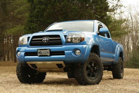 toyota tacoma jacked up jacked up toyota tacoma autos post