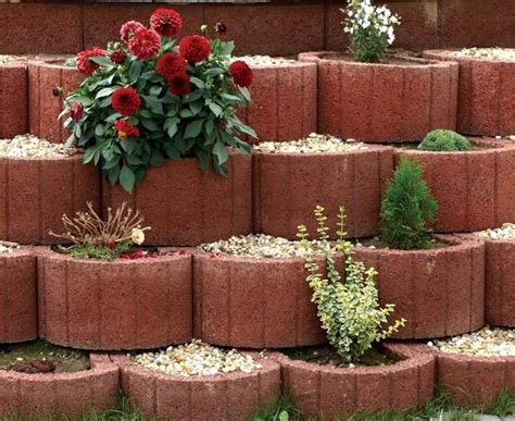 Retaining Wall Planter Ideas by Retaining Wall Ideas Concrete Planters As A Supporting